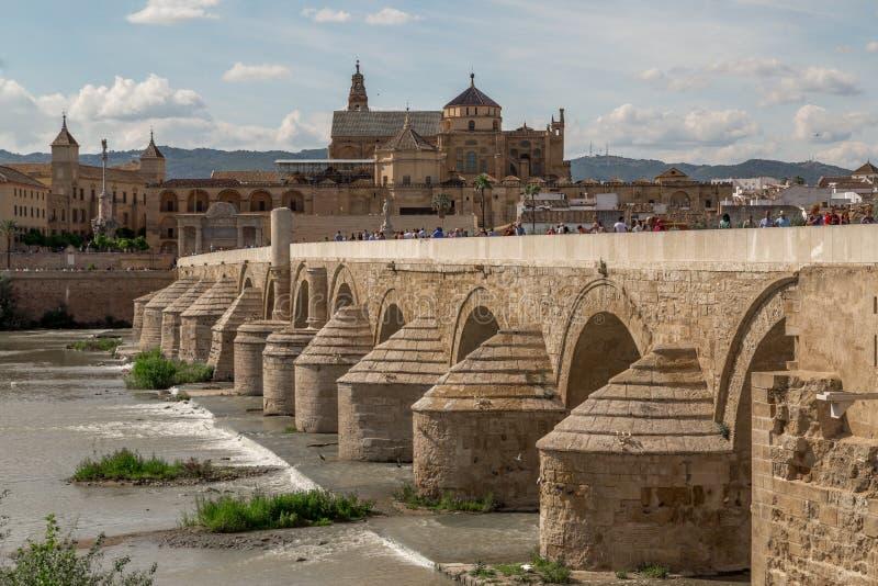Pont romain de rdoba de ³ de CÃ photographie stock libre de droits