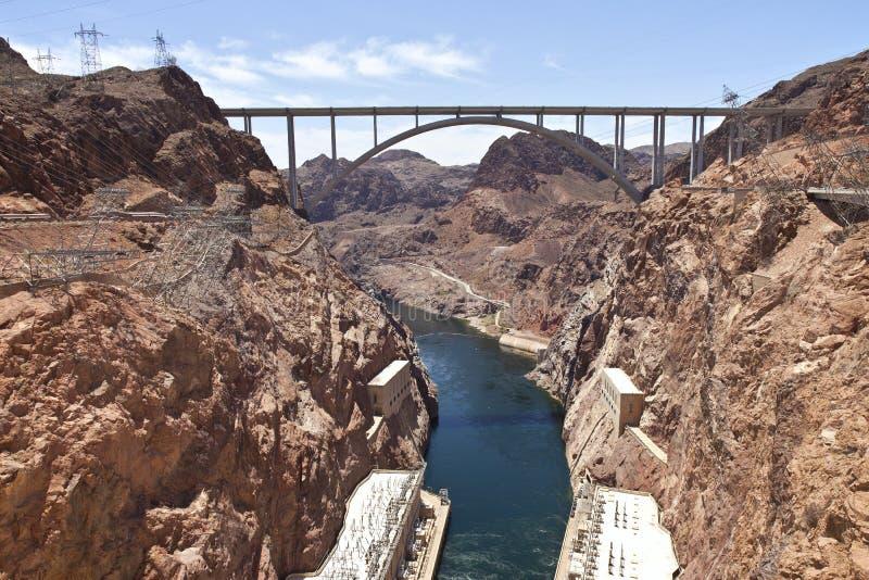 Pont se reliant en barrage de Hoover de deux états. photographie stock libre de droits