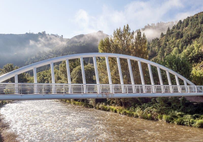 Pont sur la rivière Segre photo libre de droits