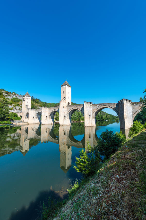 Pont Valentre in Cahors, Frankrijk stock foto's
