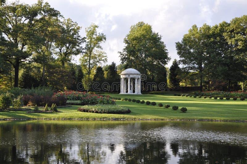 Pont-Villa und Gärten stockbilder