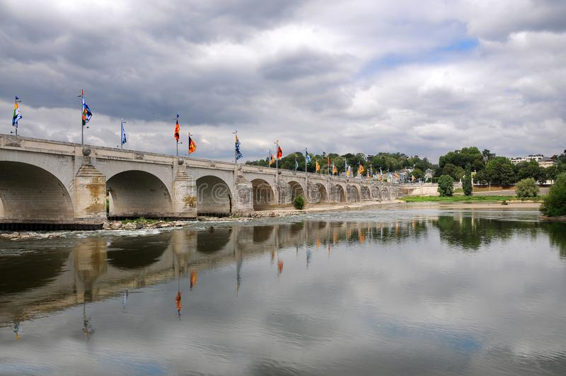 Pont Wilson dans les visites, France photographie stock libre de droits