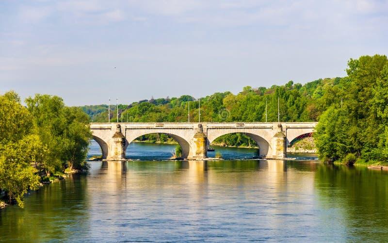 Pont Wilson sur la Loire dans les visites photos stock
