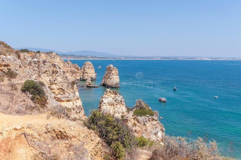 Ponta da Piedade, formazioni rocciose vicino a Lagos nel Portogallo fotografia stock