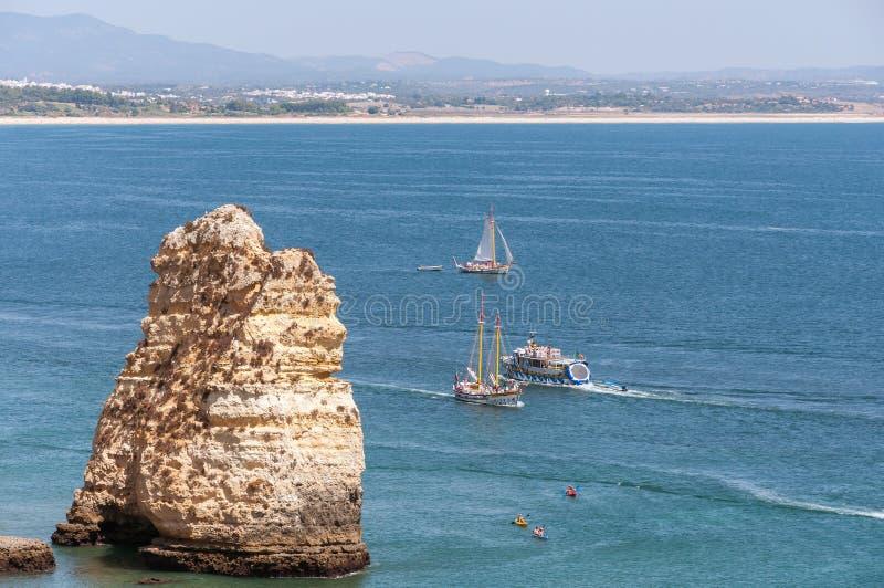 Ponta da Piedade, formazioni rocciose vicino a Lagos nel Portogallo fotografie stock libere da diritti