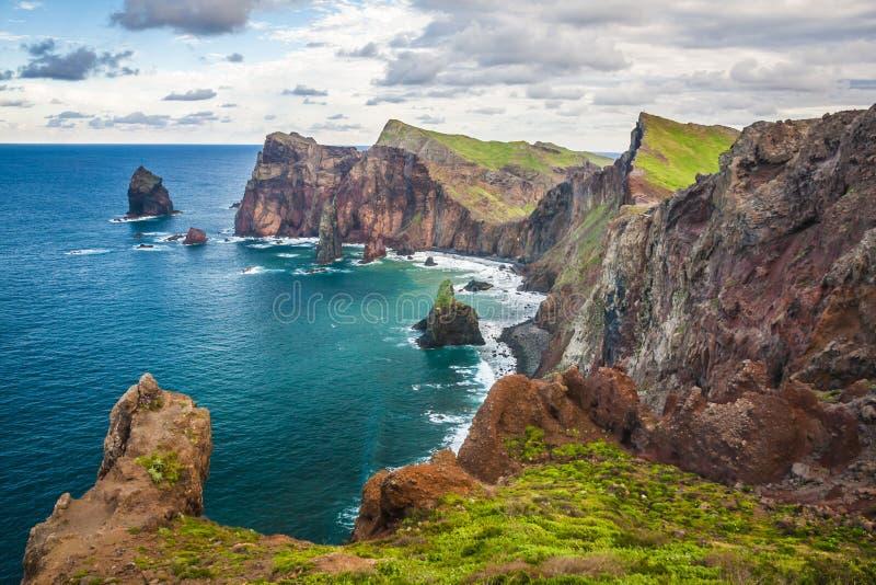 Ponta de圣洛伦索,马德拉岛海岛的最东部部分 图库摄影
