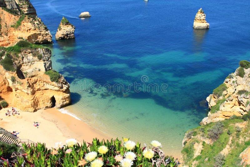 Ponta de Piedade в побережье Лагосе, Алгарве в Португалии стоковые изображения rf