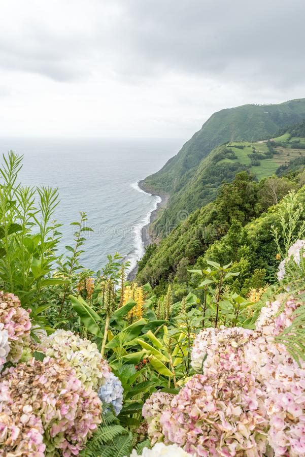 Ponta fa Sossego vicino a Nordeste sull'isola di sao Miguel, Portogallo immagine stock