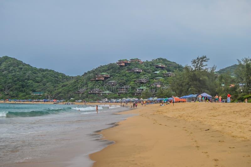 Ponta font la plage d'Ouro - un vert de turquoise et la meilleure plage dans Moz photographie stock