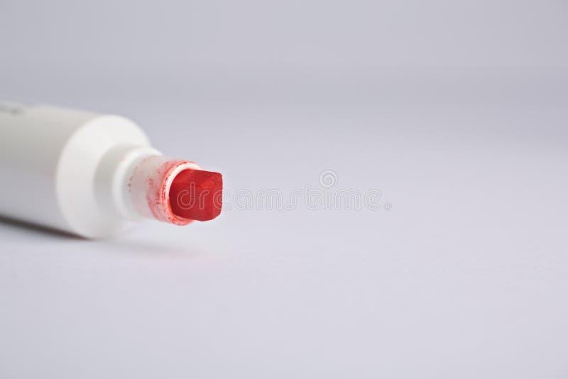 Ponta vermelha do marcador fotografia de stock