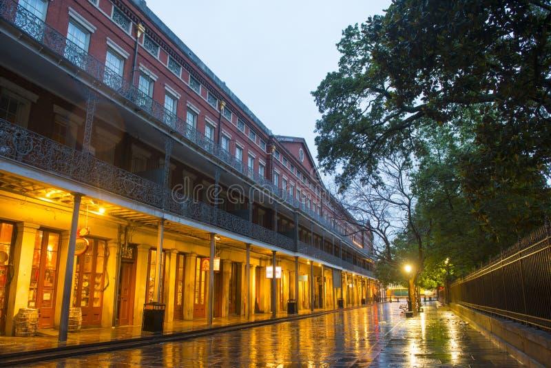 Pontalba-Gebäude im französischen Viertel, New Orleans stockfotografie