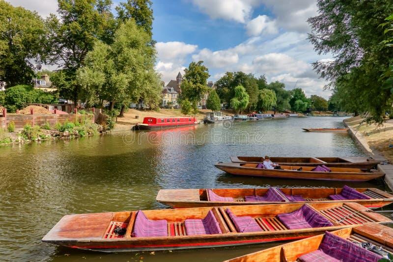 Pontapés na came do rio em Cambridge imagens de stock