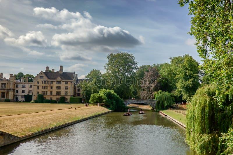 Pontapés na came do rio em Cambridge imagem de stock