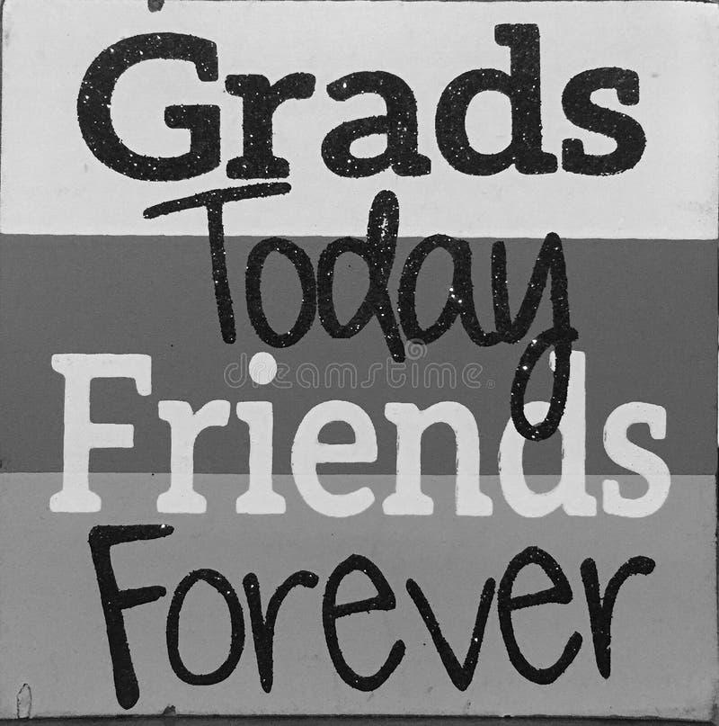 Pontas sobre amigos e graduados imagem de stock