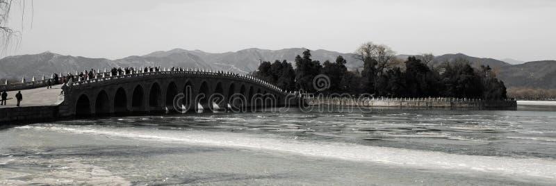 A ponte 17-Arch no palácio de verão