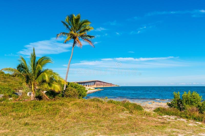 Ponte abandonada da estrada de ferro nas chaves EUA de Florida fotos de stock