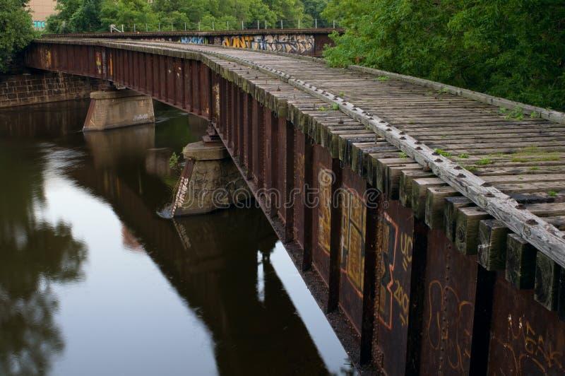 Ponte abandonada da estrada de ferro no console de Nicollet fotografia de stock royalty free