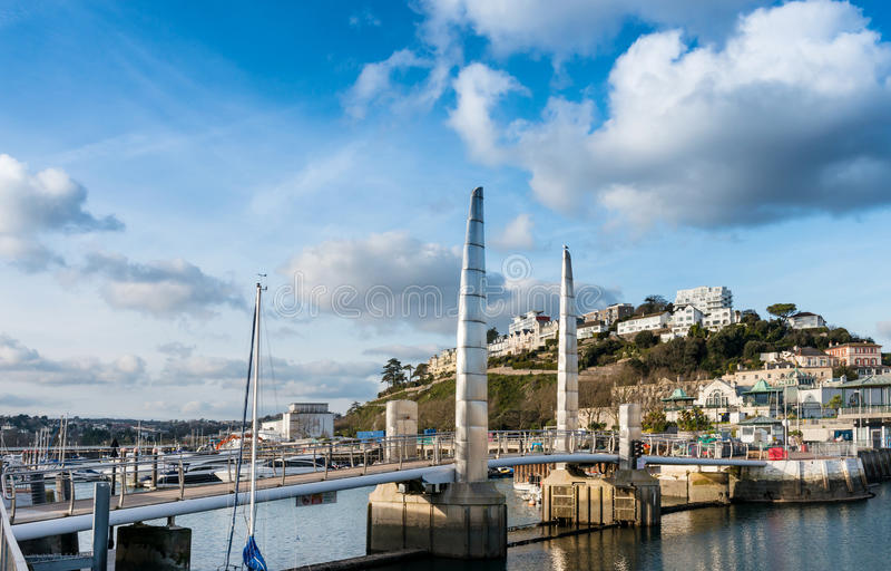 Ponte al porto interno di Torquay fotografia stock libera da diritti