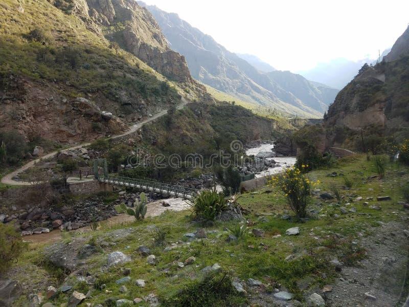 Ponte all'inizio di Inca Trail immagini stock libere da diritti