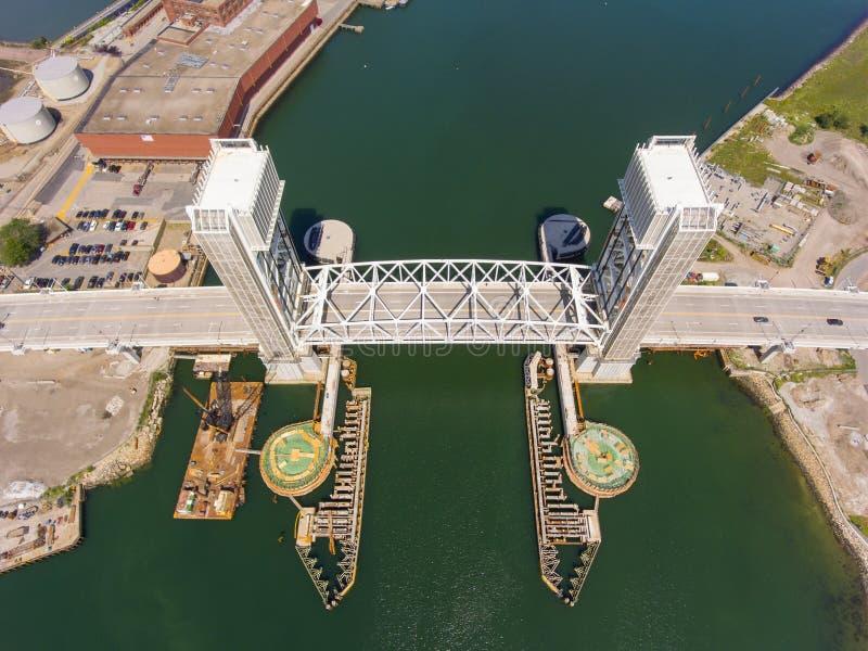Ponte anteriore del fiume in Quincy, Massachusetts, U.S.A. immagini stock libere da diritti
