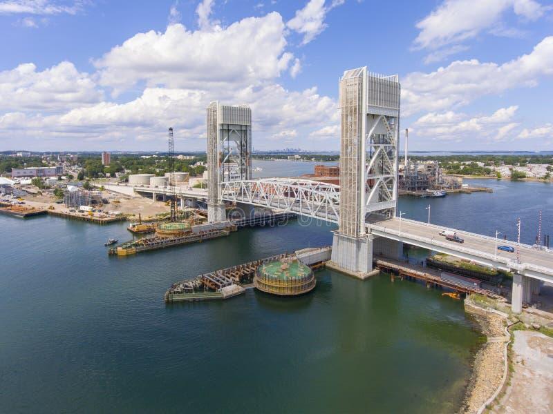 Ponte anteriore del fiume in Quincy, Massachusetts, U.S.A. fotografie stock libere da diritti