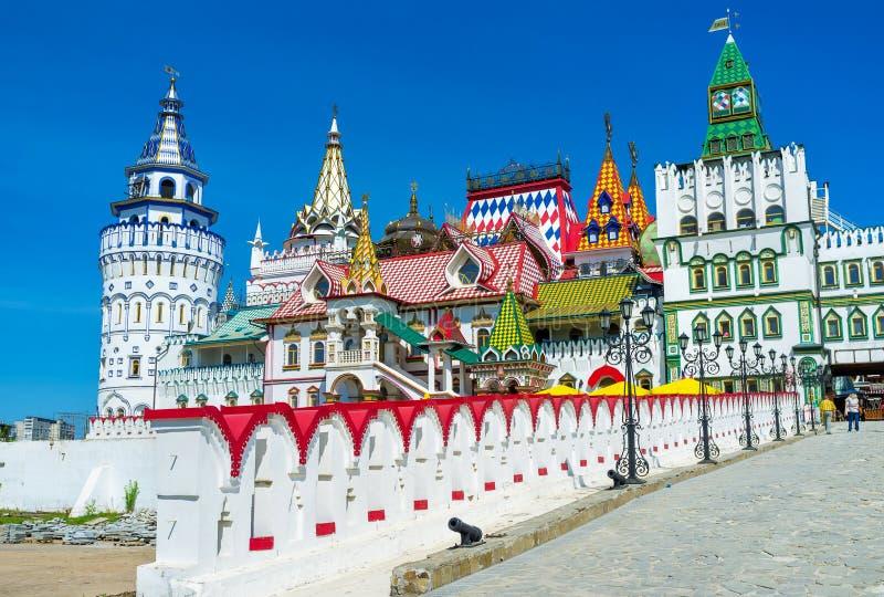 A ponte ao Kremlin de Izmailovsky fotografia de stock royalty free