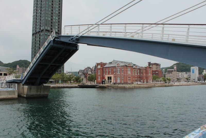 Ponte azul da asa, Mojiko, Fukuoka, Japão imagens de stock