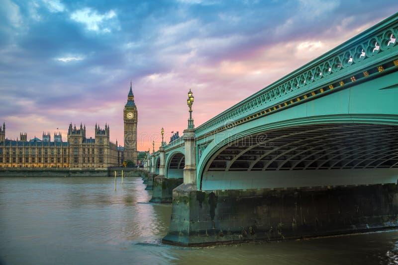 Ponte big ben e camere di westminster del parlamento al for Camere parlamento