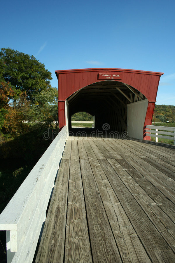 Ponte coberta do Hogback no condado de Madison fotografia de stock royalty free