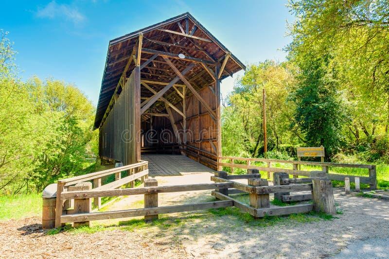 Ponte coberta em Felton California foto de stock royalty free