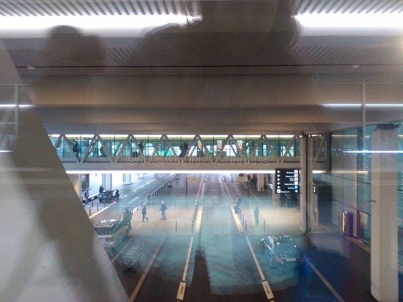 Ponte compatto con i passeggeri, Zurigo-AirPort ZRH immagine stock libera da diritti