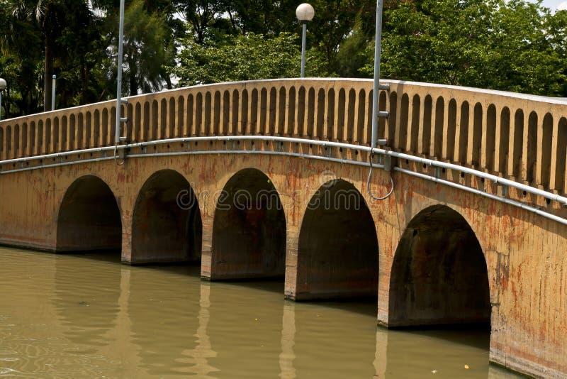 Ponte concreta velha fotos de stock