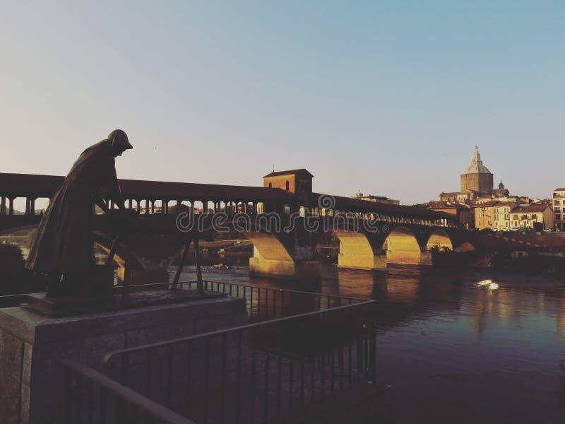 Ponte Coperto и Duomo Павии Италия стоковая фотография rf