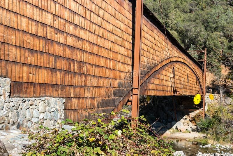 Ponte coperto di Bridgeport, California del Nord immagine stock