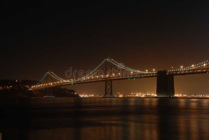 Ponte da baía na noite imagens de stock