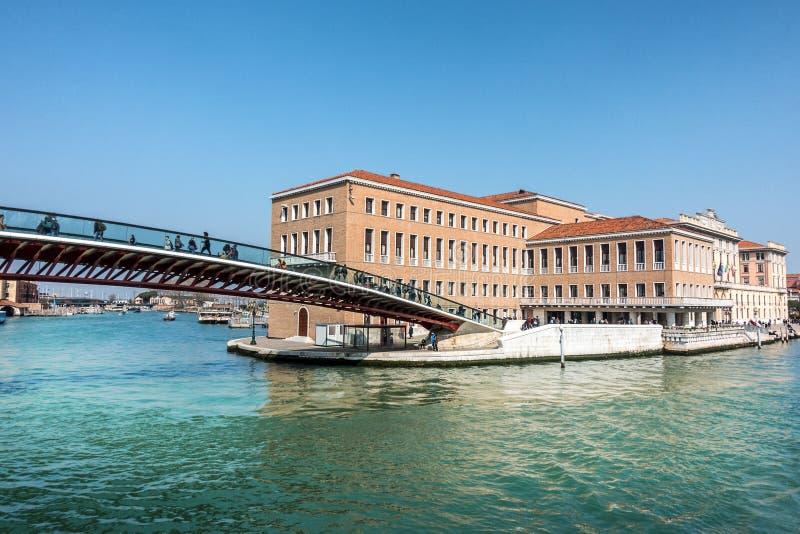 Ponte da constituição em Veneza imagens de stock