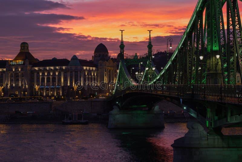 Ponte da liberdade em Budapest imagem de stock