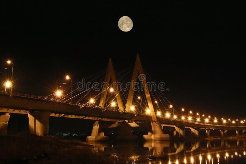 Ponte da noite. foto de stock royalty free
