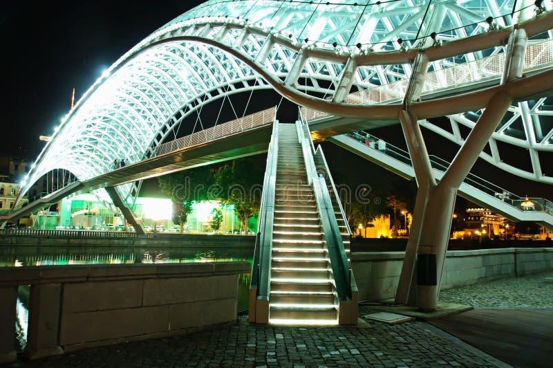 Ponte da paz em Tbilisi fotografia de stock
