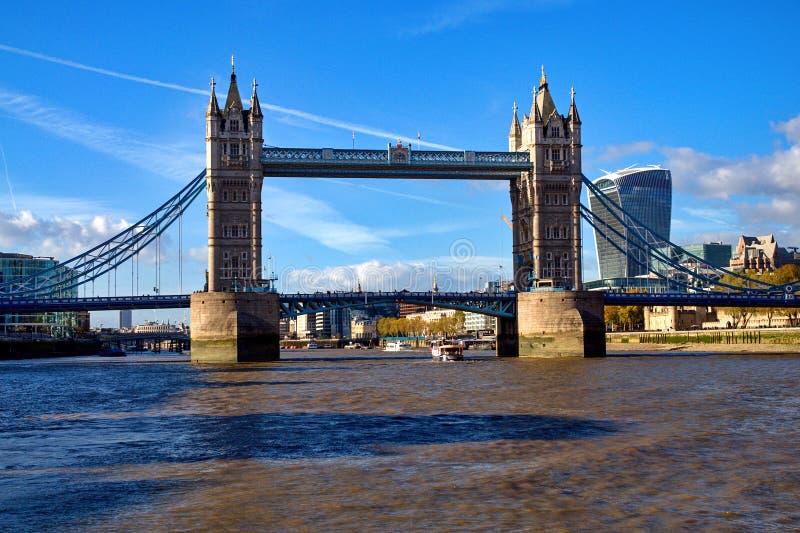 Ponte da torre em Londres, Inglaterra fotos de stock royalty free