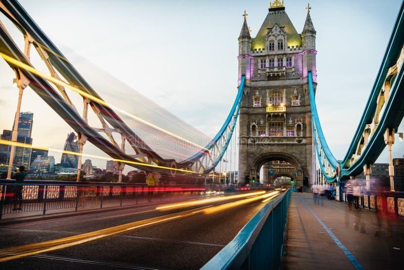 Ponte da torre em Londres, Inglaterra fotografia de stock royalty free