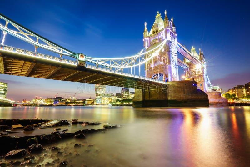 Ponte da torre em Londres, Inglaterra fotografia de stock