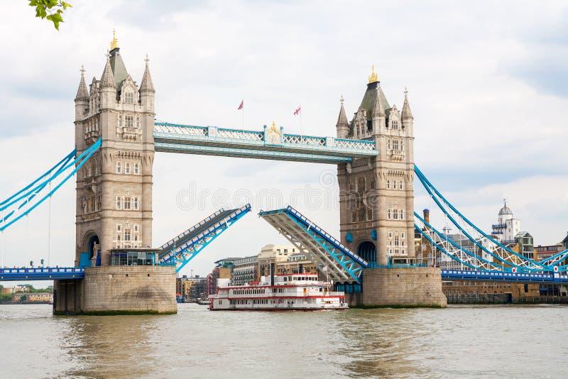 Ponte da torre. Londres, Inglaterra imagens de stock