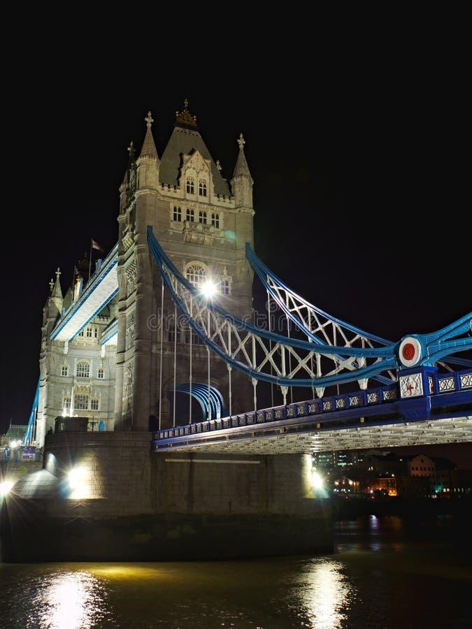 Ponte Da Torre Na Noite: De Lado Perspectiva, Londres Imagem de Stock Royalty Free
