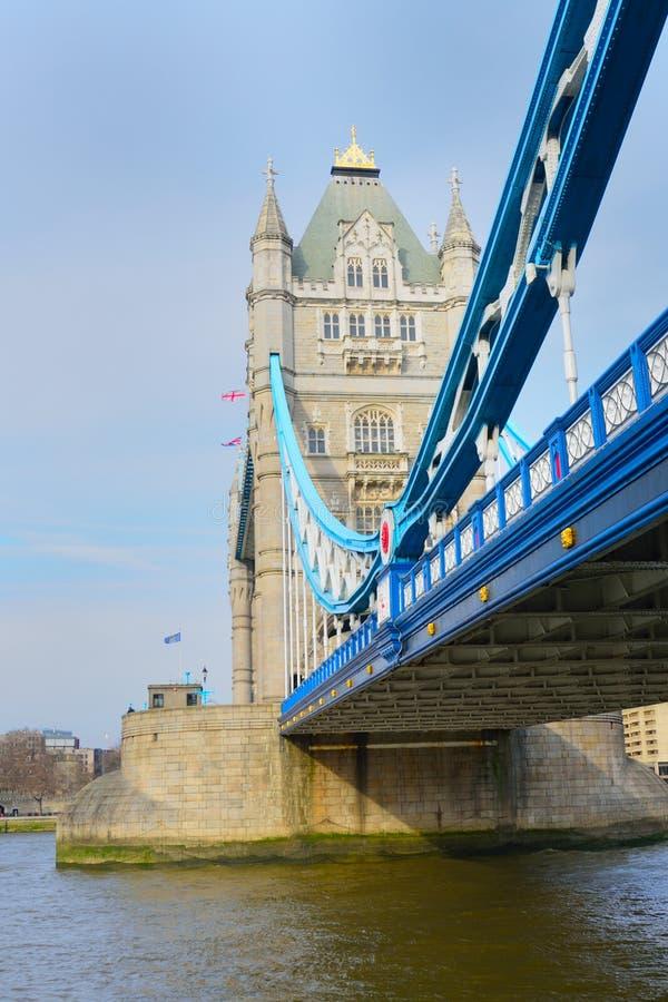 Ponte da torre no aspecto do retrato fotografia de stock royalty free