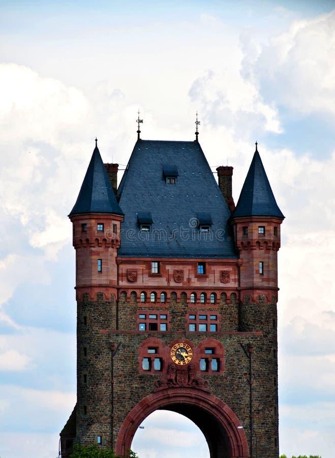 Ponte da torre nos sem-fins imagem de stock royalty free