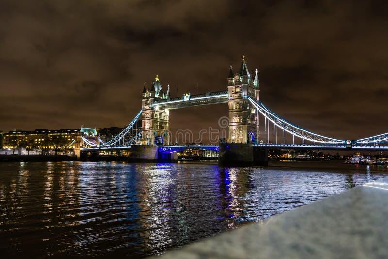 Ponte da torre, o simbol icônico de Londres imagem de stock royalty free