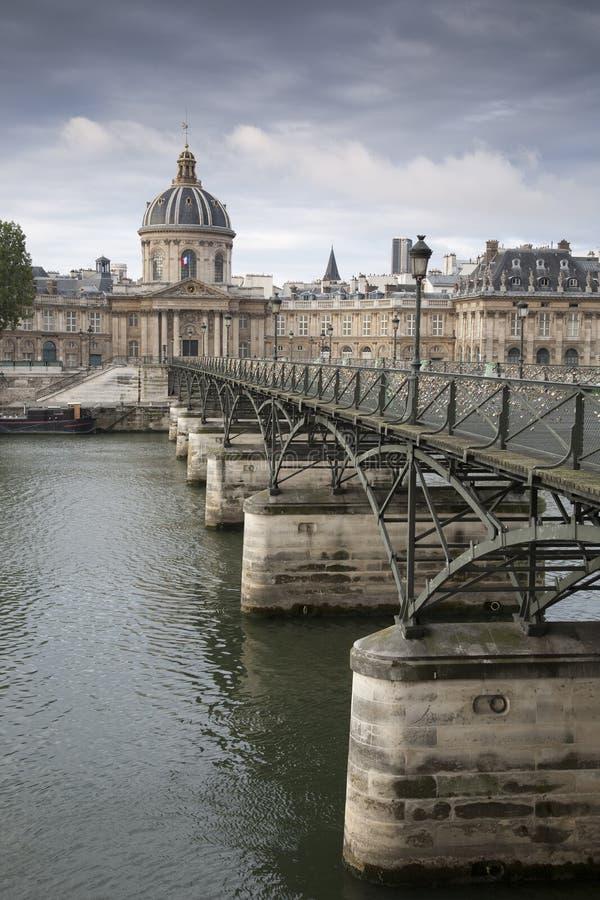 Ponte das artes do DES de Pont, Paris fotografia de stock royalty free