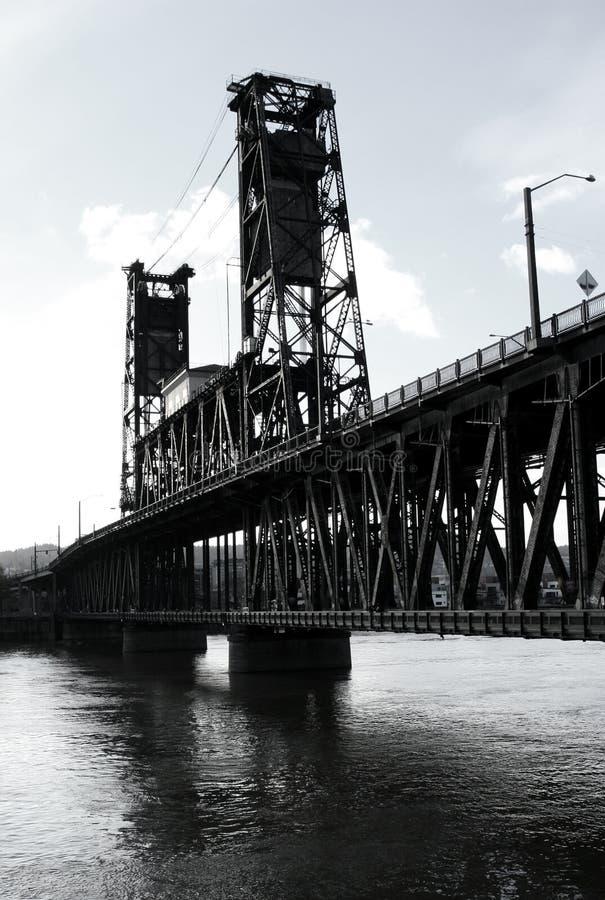 Ponte de aço B/W fotos de stock royalty free