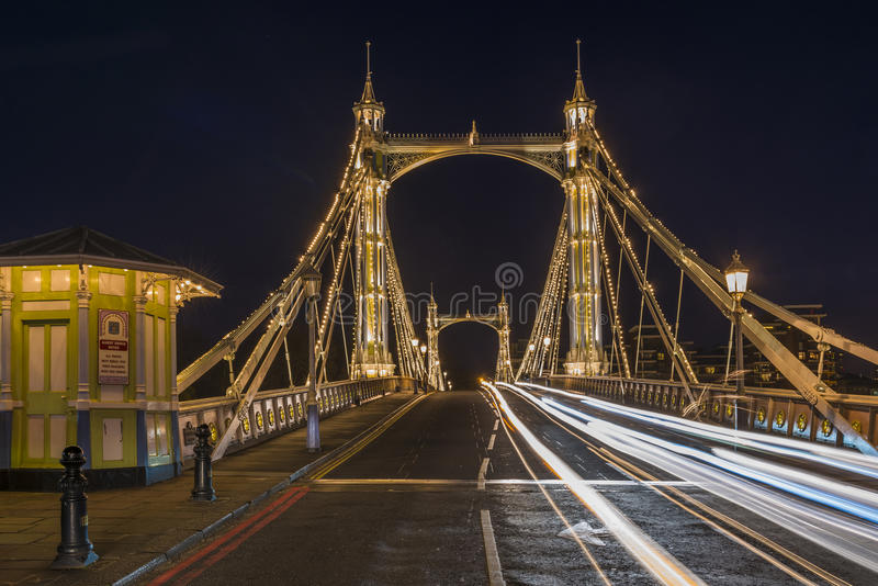 Ponte de Albert na noite foto de stock royalty free